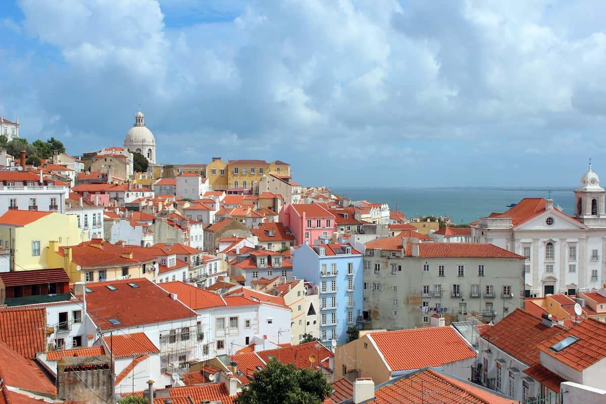 real-estate-alfama-lisbon-portugal